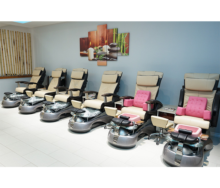 Pedicure chairs for children also available